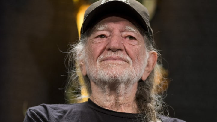 Willie Nelson's Advice for Novice Pot Smokers (and Maureen Dowd)