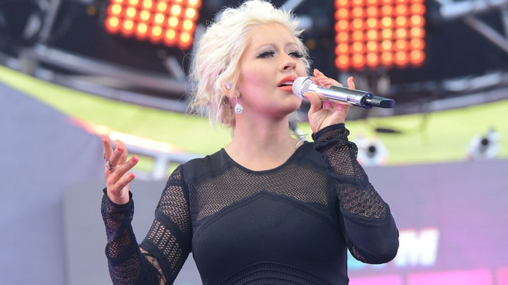 Christina Aguilera Gives Birth to Baby Girl