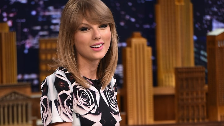 Taylor Swift Dismisses the Haters, Dances With Fans for New Song 'Shake it Off'
