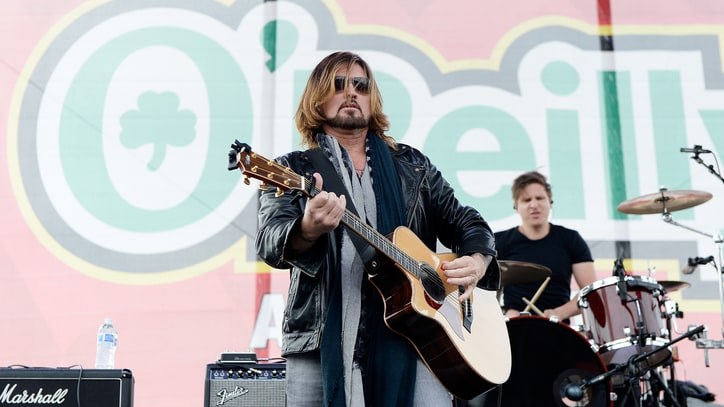 Martina McBride, Billy Ray Cyrus Salute the Beatles in L.A.
