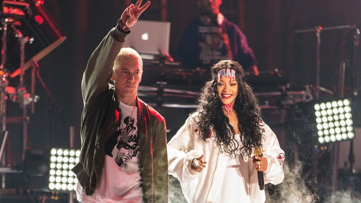 Watch Eminem and Rihanna Take the Ice Bucket Challenge Live Onstage