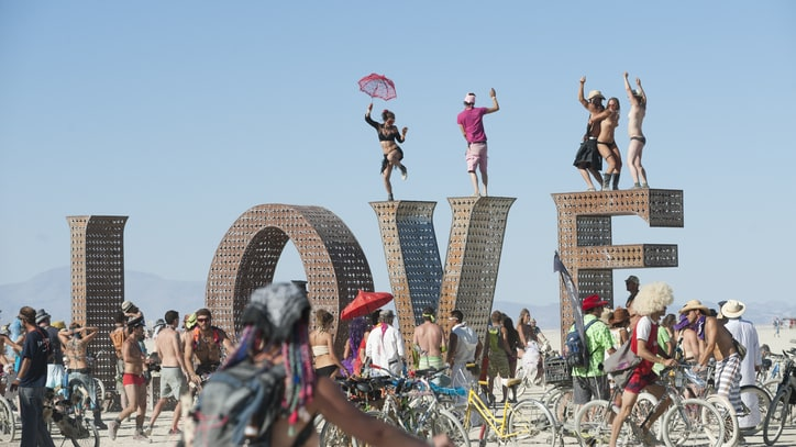 Burning Man 2014: Rainstorms Extinguish Opening Day