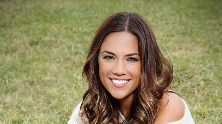 Jana Kramer: Michigander Redneck Girl and Proud of It!