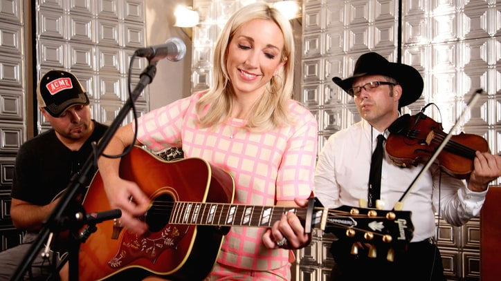 Ashley Monroe: Still Comin' Up 'Roses'