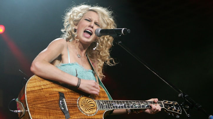 Teardrops on Her Guitar: Taylor Swift's 10 Countriest Songs