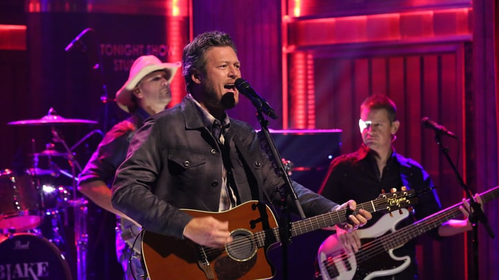 Watch Blake Shelton Play 'Neon Light' and Quarterback on 'Fallon'