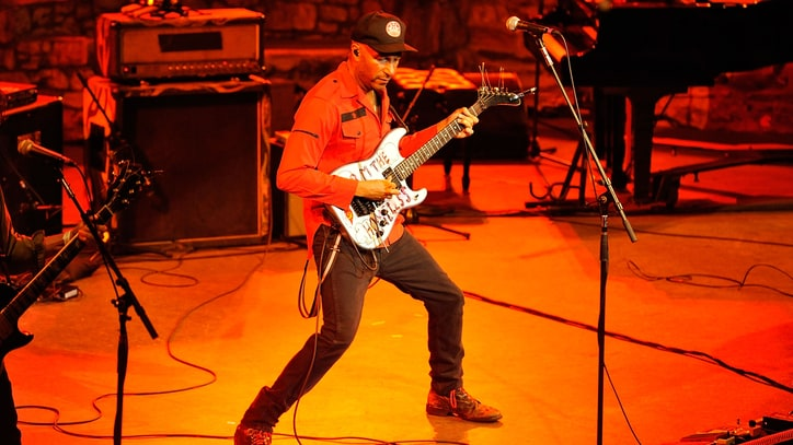 Tom Morello Debuts 'Marching on Ferguson' Protest Song