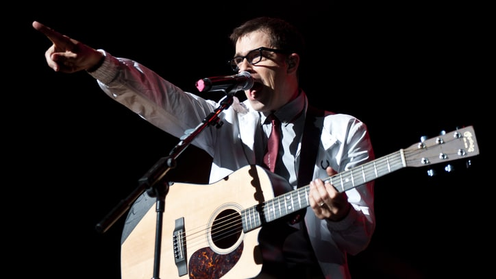 Weezer Reflect on Old Age and Fading Looks on Catchy 'Cleopatra'