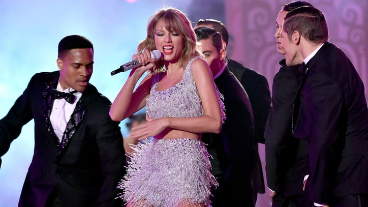 22 Things You Learn Hanging Out With Taylor Swift
