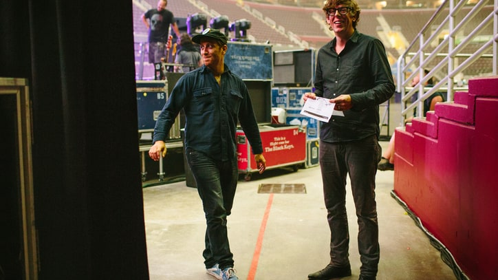 The Black Keys Loosen Up: Backstage on the 'Turn Blue' Tour