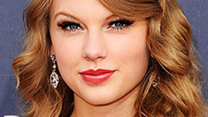 Taylor Swift Buys Parents $1.4 Million Estate