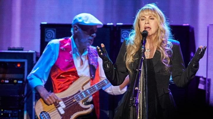 Fleetwood Mac Reunite With Christine McVie at Golden Minneapolis Show