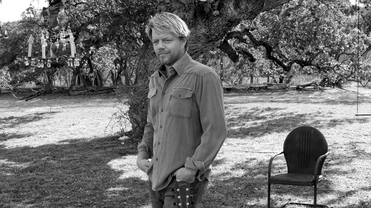 5 Minutes in Texas With Pat Green