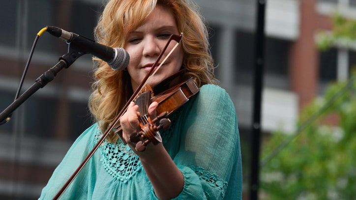 Watch Alison Krauss Revisit 'Tomorrow' on the Grand Ole Opry