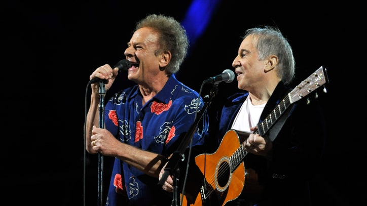 Flashback: Paul Simon Forgets Art Garfunkel on 'Saturday Night Live'