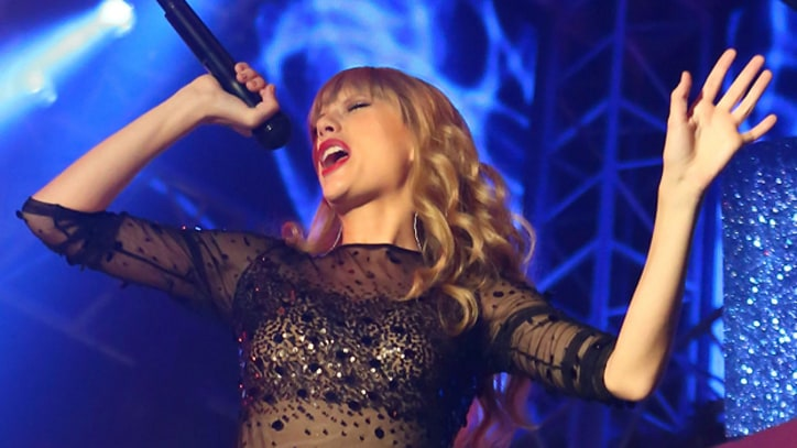 Taylor Swift: Joni Mitchell Biopic Role 'Not Confirmed'