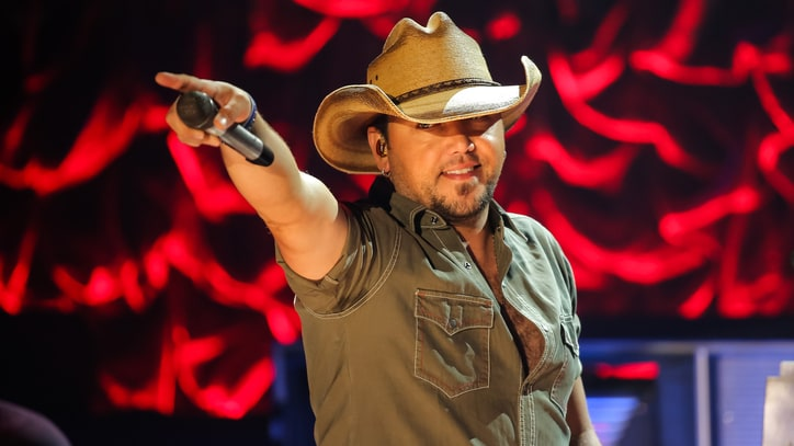 Jason Aldean's 'Old Boots, New Dirt' Album Debuts With Chart-Topping Sales