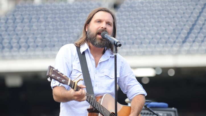 Third Day Singer Mac Powell Continues Country Cred With New Album 'Southpaw'