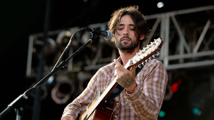 Ryan Bingham Embraces Solitude for 'Fear and Saturday Night' Album