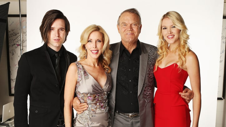 'Glen Campbell: I'll Be Me' Film Helps Family Cope With Legend's Alzheimer's