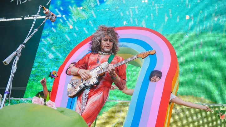 Watch Flaming Lips Dissect the Making of Beatles Covers LP 'Fwends'