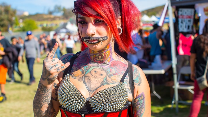 The Big U-Knot: Randy Johnson's Knotfest Photos