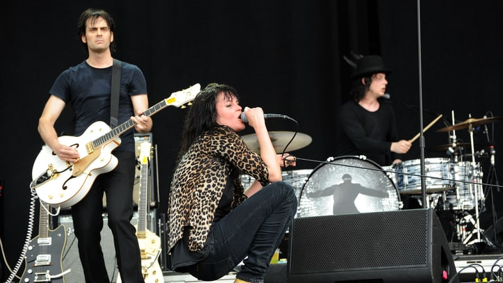 Hear Two Frenetic, Echo-Filled Dead Weather Tracks