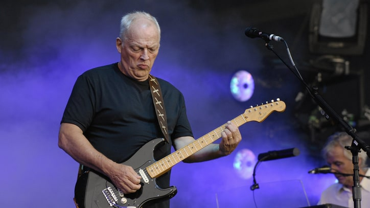 Flashback: David Gilmour Plays an Epic 'Echoes' in 2006