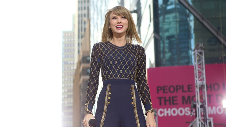 On the Charts: Taylor Swift Becomes First Artist to Sell 1 Million Albums in 2014