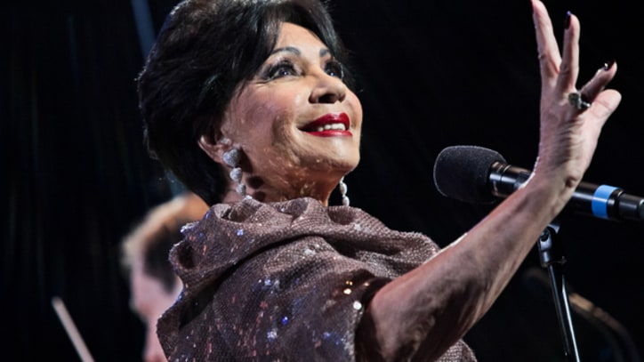 Shirley Bassey to Perform at the Oscars