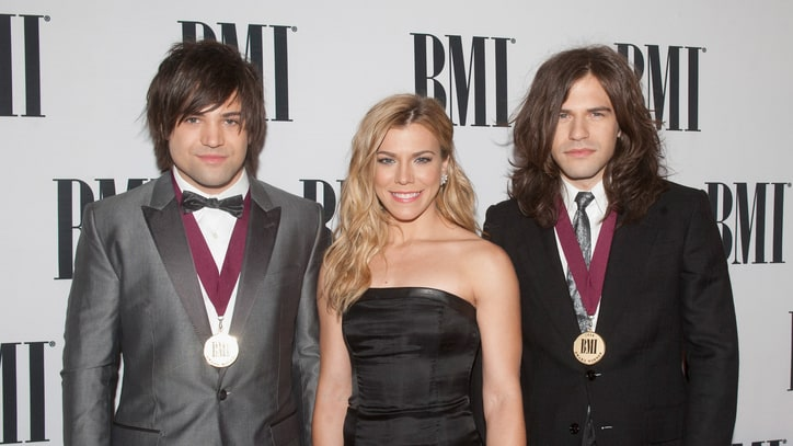 The Band Perry Share Secrets of Staying 'Zen' During Nerve-Wracking CMAs