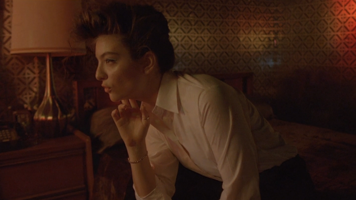 Lorde Ditches the Glitz in 'Yellow Flicker Beat' Video