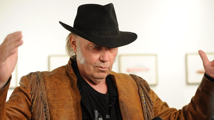 Neil Young Boycotts Starbucks Over GMO Lawsuit