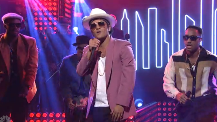 Watch Bruno Mars and Mark Ronson Funk Up 'SNL'