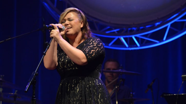 Watch Kelly Clarkson Prove Her 'Girl Crush' on Little Big Town
