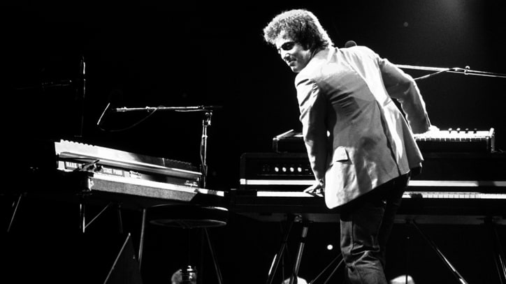 Billy Joel's Biographer Compiles an Ultimate Piano Man Playlist