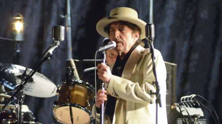Bob Dylan Closes 2014 Tour With Masterful Beacon Theatre Gig