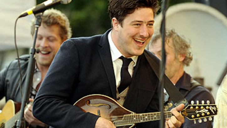Mumford & Sons Play High-Spirited Show in Marfa, Texas