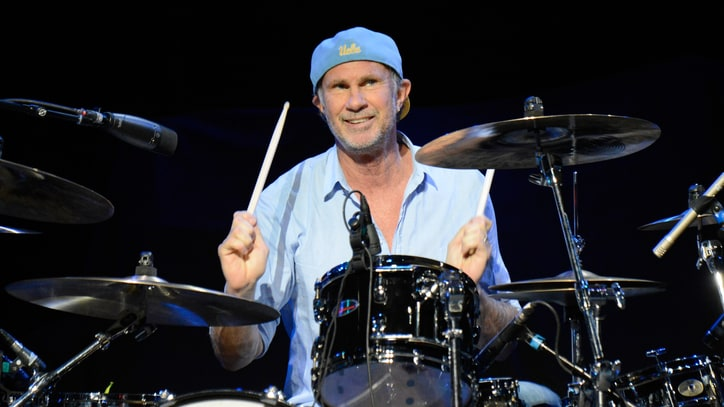 Red Hot Chili Peppers' Chad Smith Answers Your Twitter Questions