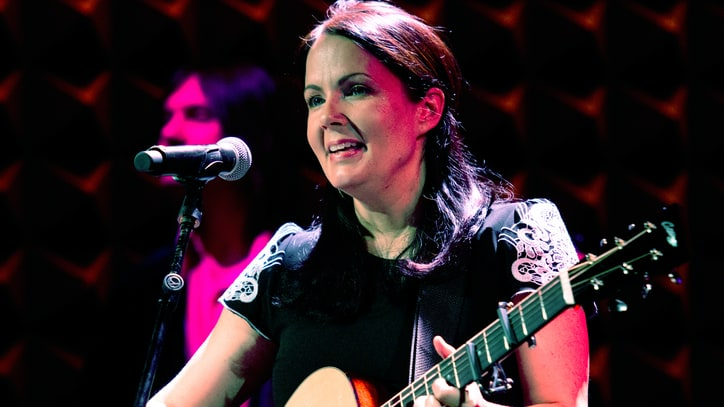 Lori McKenna Reveals Her 'Girl Crush'