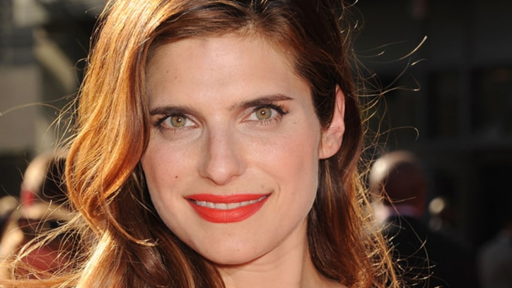 Lake Bell Finds Her Directorial Voice in 'In a World...'