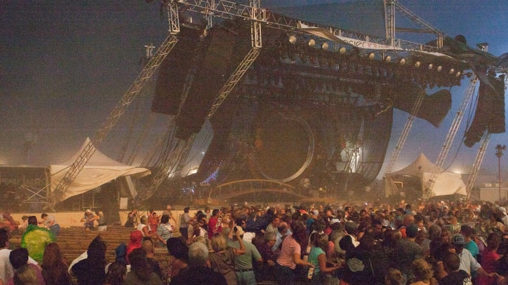 Settlement Reached in Sugarland Stage Collapse