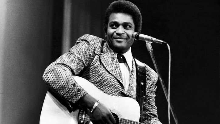Flashback: Charley Pride Makes History With Hank Williams Cover