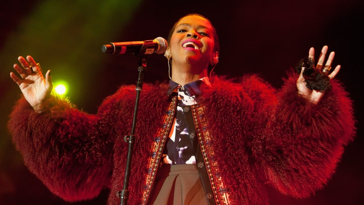 Lauryn Hill Plots Intimate, Acoustic 'Small Axe' Tour