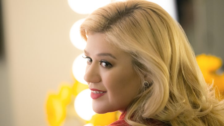 Hear Kelly Clarkson's Pulse-Racing New 'Heartbeat Song'