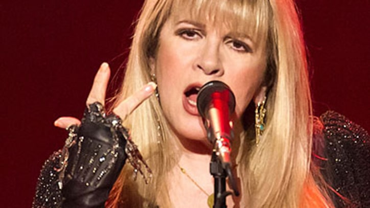 Digest: Stevie Nicks Cancels Shows