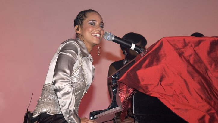 Alicia Keys Opens 'The Diary of Alicia Keys'