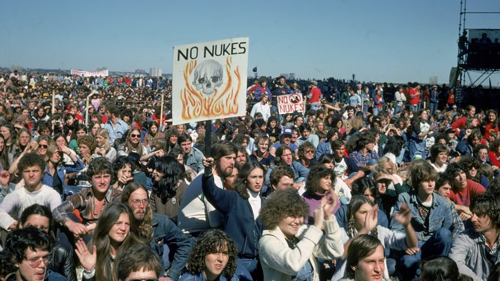 Nuclear Weapons: The New Abolitionists