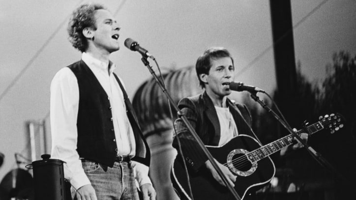 Simon and Garfunkel: Class Reunion