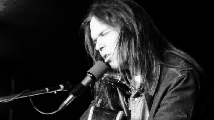 Flashback: Neil Young Covers 'Sweet Home Alabama' in 1977